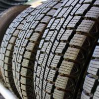 タイヤもウレタン製のものがほとんど(熱硬化性エラストマー)