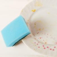 軟質ウレタンフォーム例:食器洗い用のスポンジ(スラブ成型)